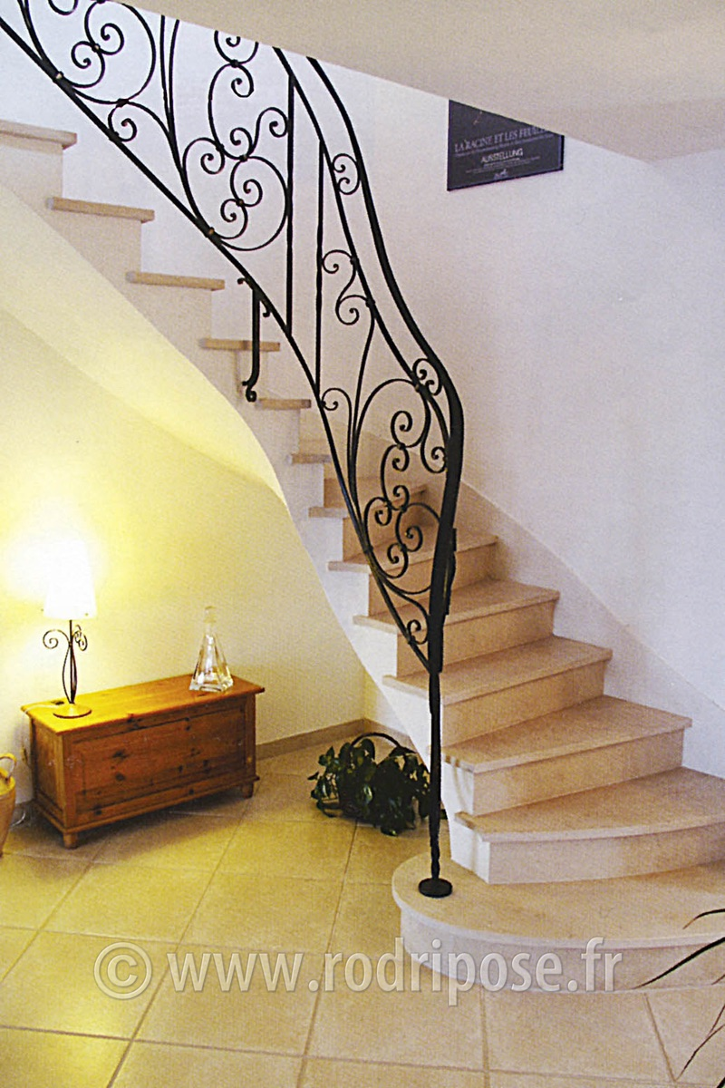 Escalier sous voute sarrasine photos rodri pose - Habillage sous escalier ...
