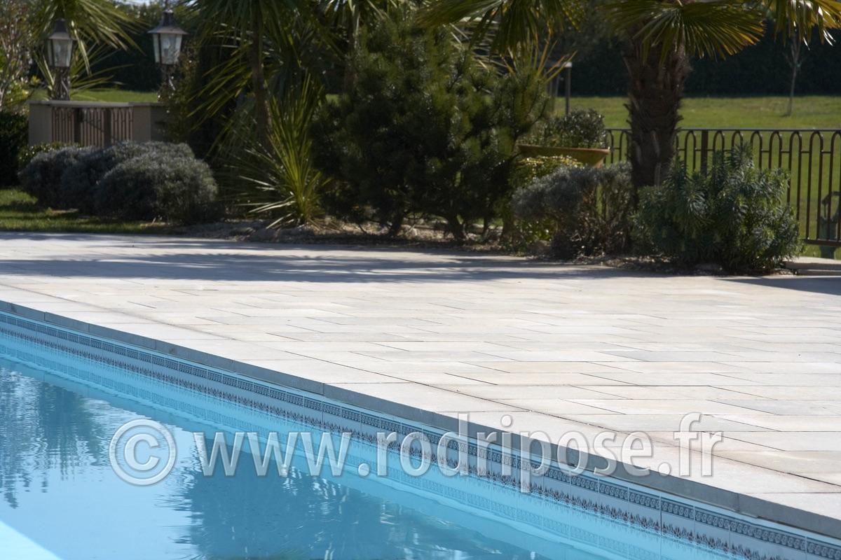 Dallage ext rieur photos rodri pose for Plage de piscine en carrelage